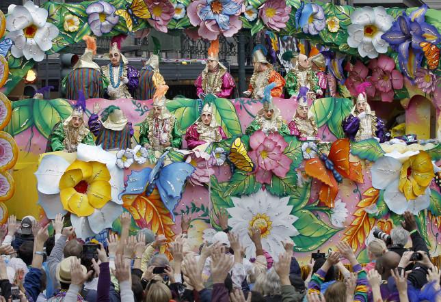 New Orleans, in Louisiana, esuberante per il carnevale