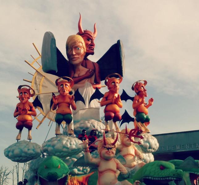 Alcuni carri dell'edizione 2014  del Carnevale di Fano