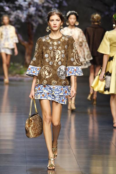Dolce&Gabbana SS 2014 women fashion show runway_Lo stile della collezione moda ispira l'intera collezione Makeup SS 2014