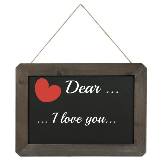 Scrivi il tuo messaggio d'amore su una lavagnetta nera e gessetto, proposta Maisons Du Monde