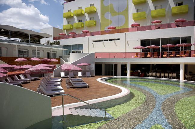 Semiramis Hotel: la piscina