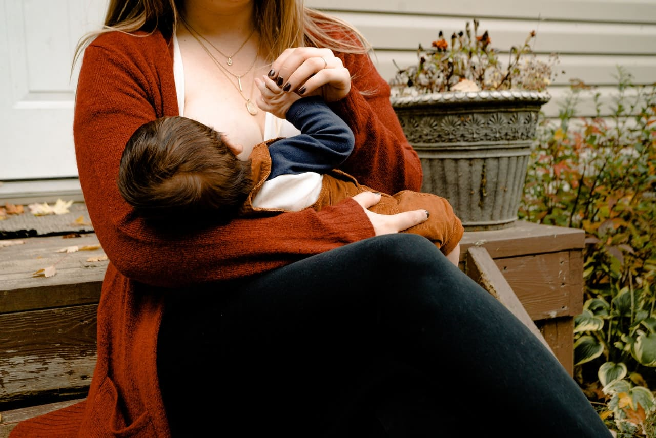 Perchè allattare al seno e come farlo al meglio