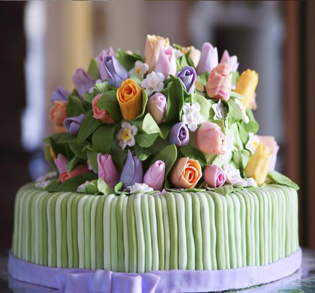 Wedding cake con i colori del momento: rosa e verde menta