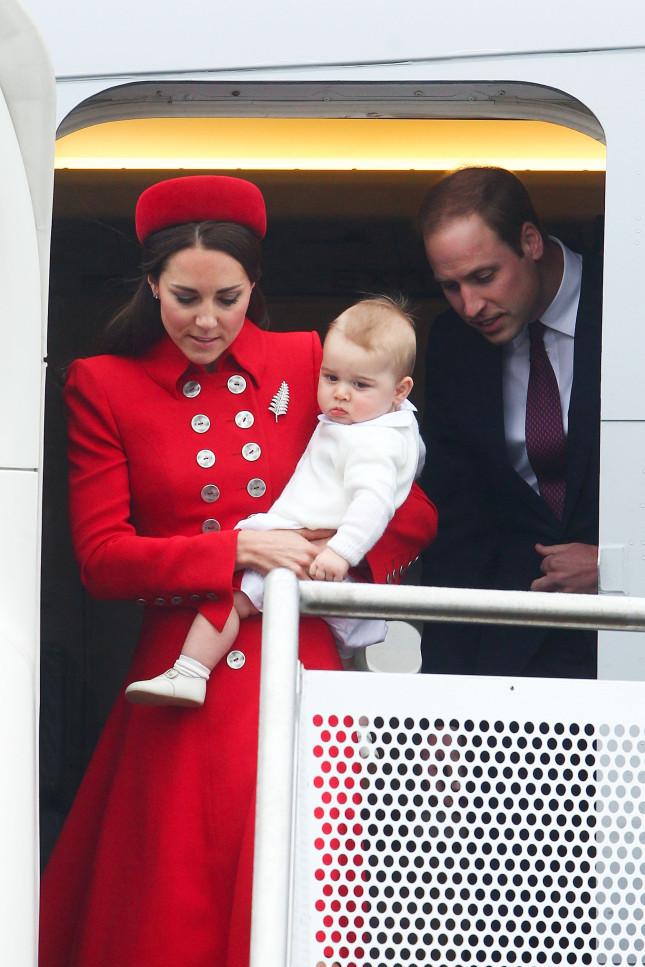 Atterraggio compiuto: ecco la giovane famiglia reale al completo