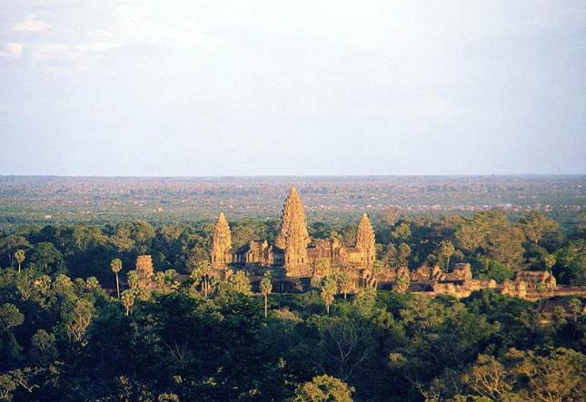 9°: Angkor Wat, Siem Reap, Cambogia