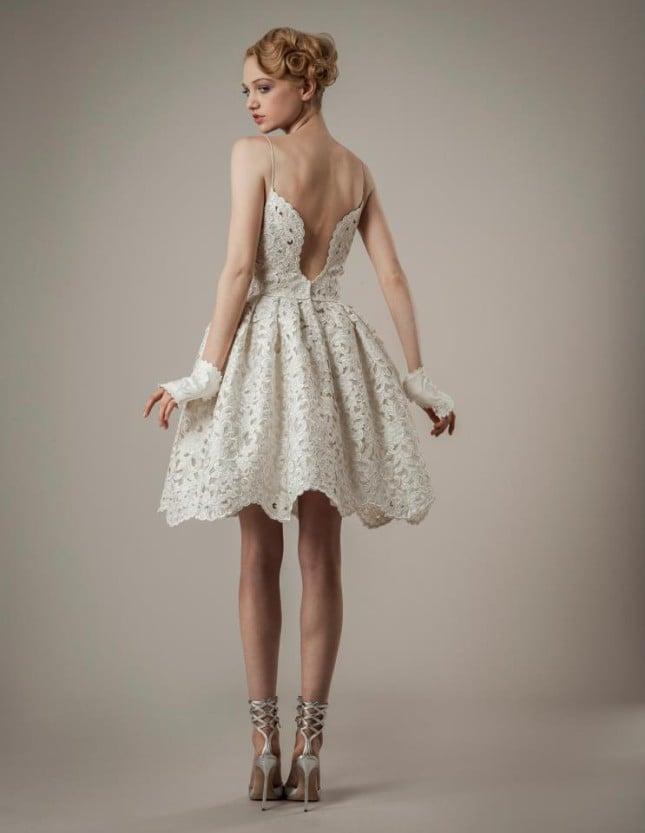 Particolare posteriore dell'abito Ingrid di Elizabeth Fillmore: la scollatura è ampia e lascia nuda la schiena