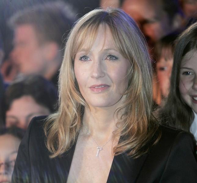 L'autrice J.K. Rowling è coinvolta anche in una trasposizione teatrale delle storie di Harry Potter
