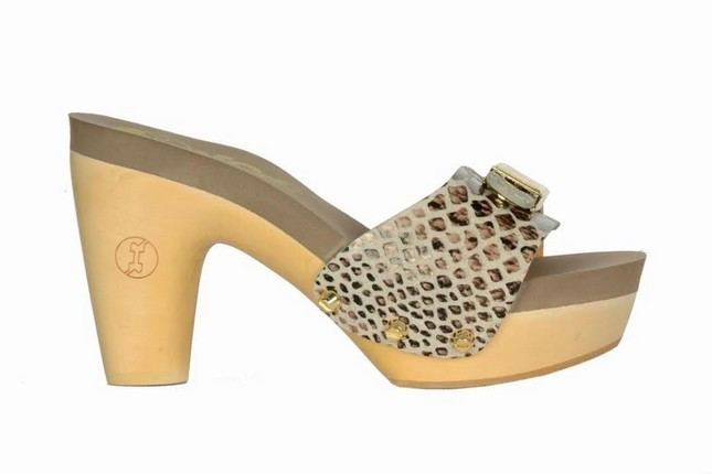 Sandalo in legno Flogg modello mid heels