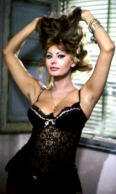 Sophia Loren 1963 / @flickr / Movie-Fan