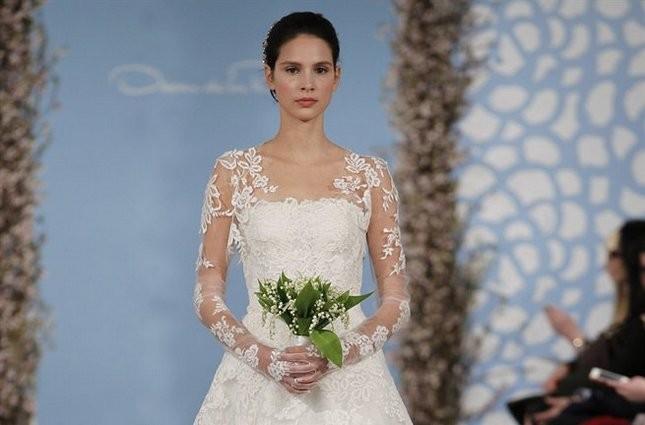 Star delle bridal week newyorkesi, Oscar de la Renta propone modelli di classe e moderni al tempo stesso. Nella foto abito Ashton