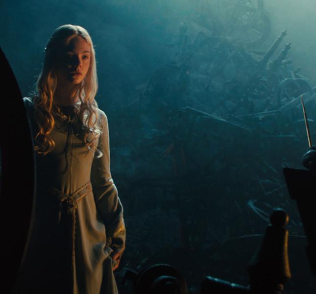 Aurora (Elle Fanning)