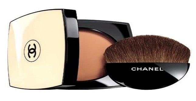 Che sia in polvere o compatta, la cipria è molto importante per un make up perfetto
