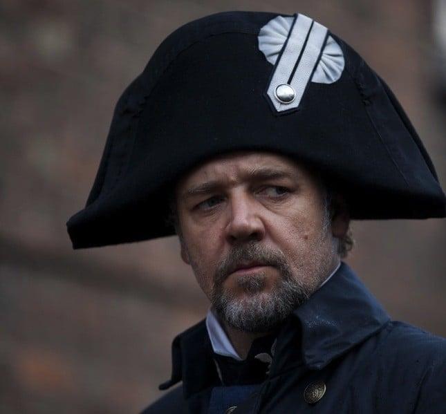 Nel musical tratto dal romanzo di Victor Hugo, Les Misérables, l'attore interpreta il cattivo Javert