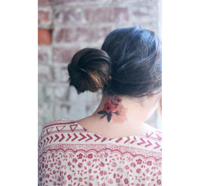 Rose rosse, tattoo extra femminile