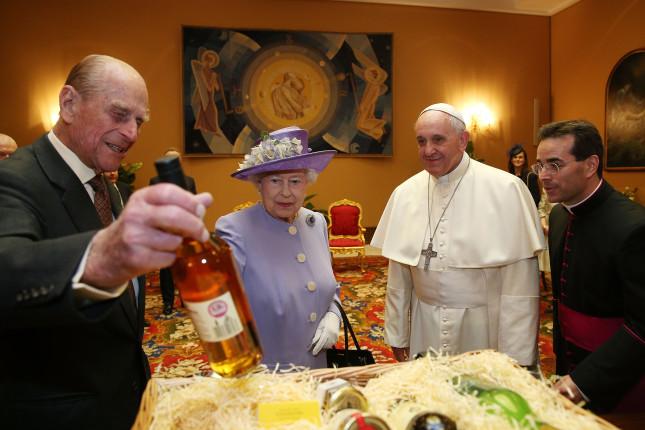 L'udienza della regina con il Papa è il quinto incontro tra i capi della chiesa anglicana e cattolica