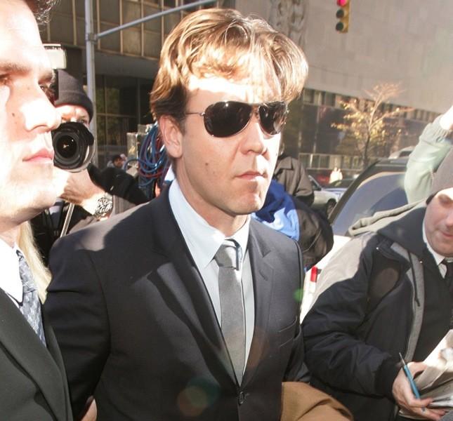 Successi cinematografici e problemi giudiziari. Russell Crowe nel 2005 si è presentato davanti al giudice di New York dopo aver lanciato il telefonino contro un concierge