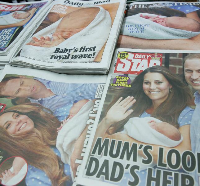 L'annuncio della nascita del Principe George su tutti i giornali.