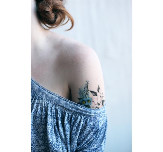 I fiori sono tra i soggetti preferiti per i tatuaggi femminili