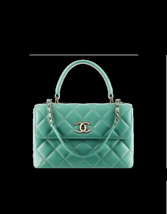 Borsa verde smeraldo firmata Chanel, in pelle impreziosita con placca in metallo