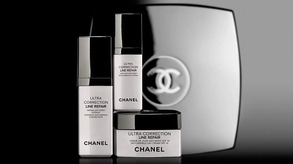 Ultra Correction Line Repair di Chanel