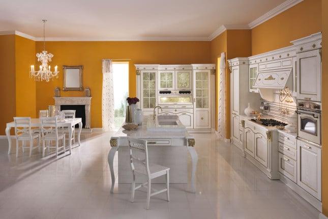 Modello Imperial  con tavolo Dior, isola con doppia consolle, piano, invaso e vasca coordinati in marmo bianco puro Covelano