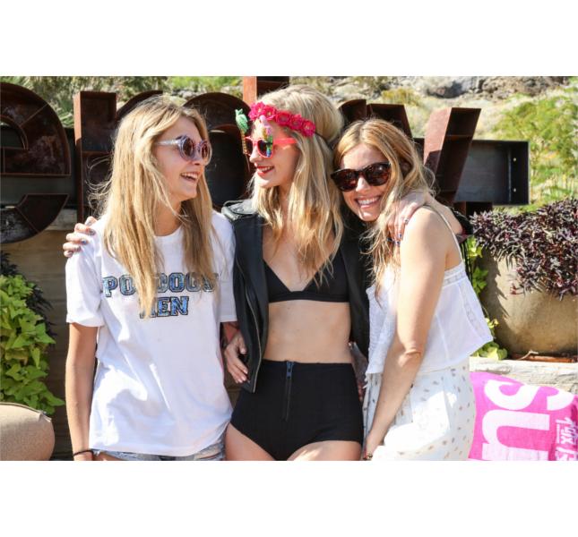 Cara e Poppy Delevingne: due sorelle molto unite. Qui al Coachella Party / photo: Getty