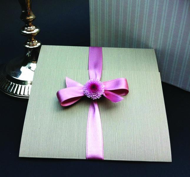 Bluemilia StudioPartecipazione bon ton in rosa e grigio per Sweet White Weddings