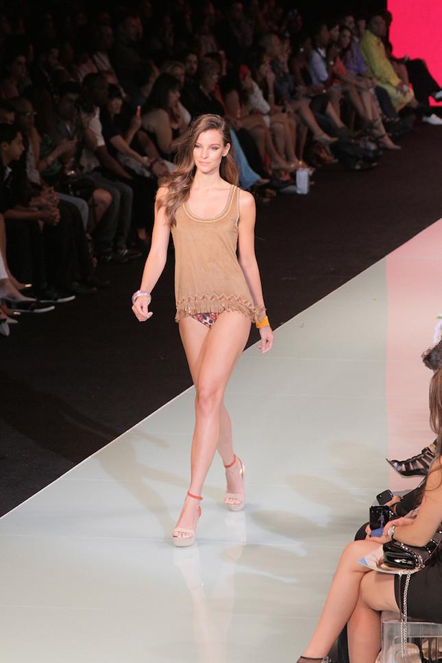Miami Fashion Week_ esempio di look per la spiaggia