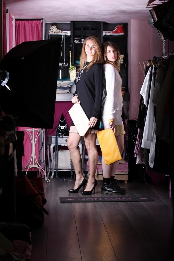 Giulia e Silvia - Mai senza pochette e gioielli importanti