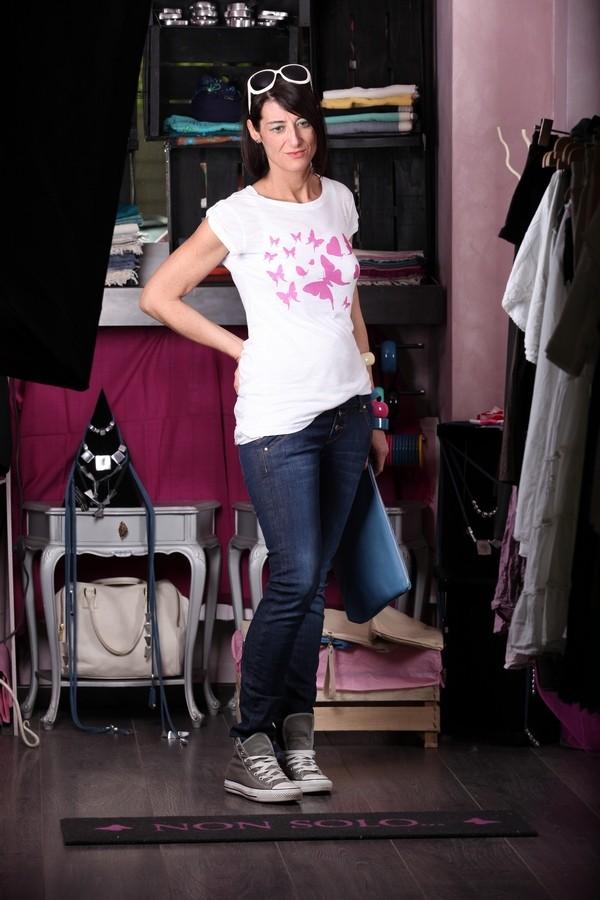 Luisa - Cosa mettere sopra i jeans skinny? provate con una maglia tutta a farfalle...