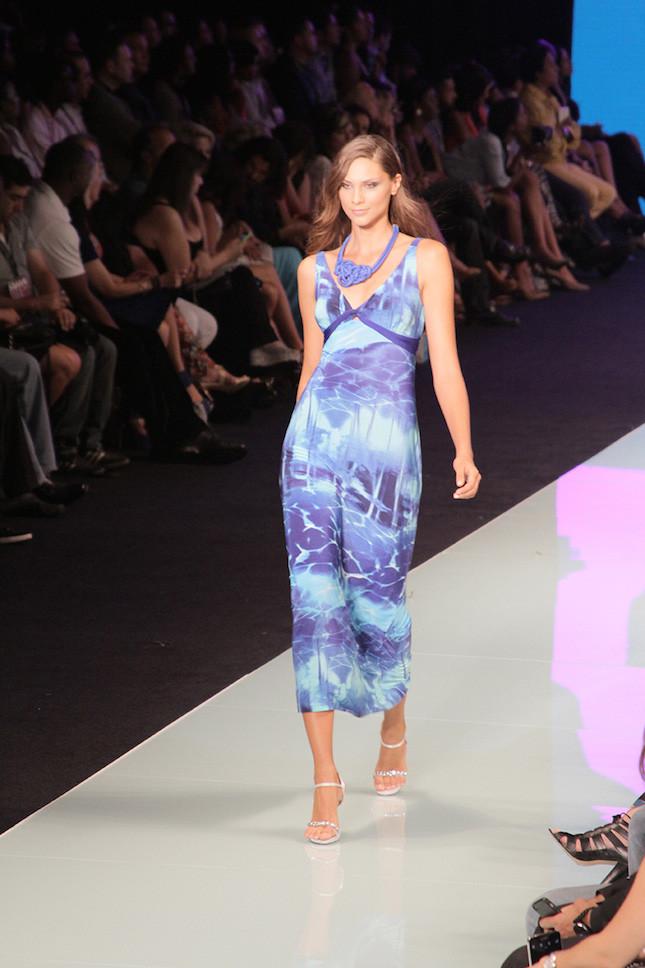 Miami Fashion Week_ abito lungo da spiaggia