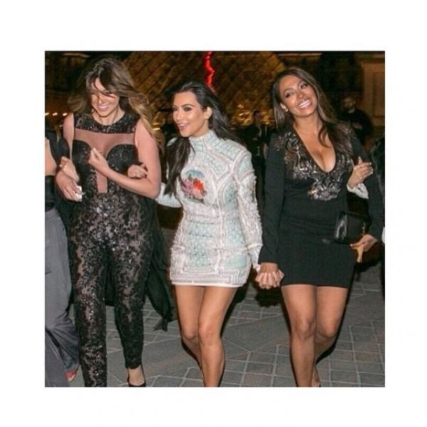 Kim con le sue amiche. Credits: Kim Kardashian on instagram