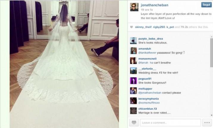 L'abito di Kim.  Credits: instagram