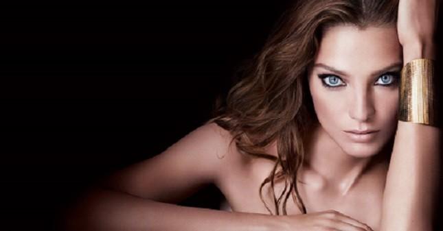 Ciglia voluminose e seducenti, ma non solo. Per i 10 anni dell'iconico mascara Hypnôse Lancôme lancia una nuova linea dedicata al make up occhi