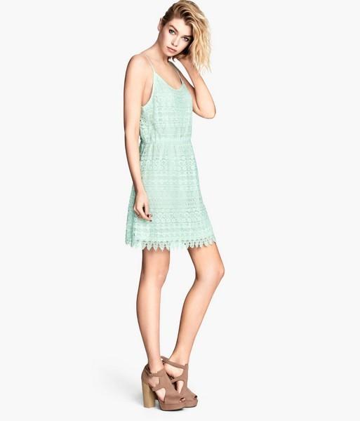Vestito verde pastello con ricami di H&M