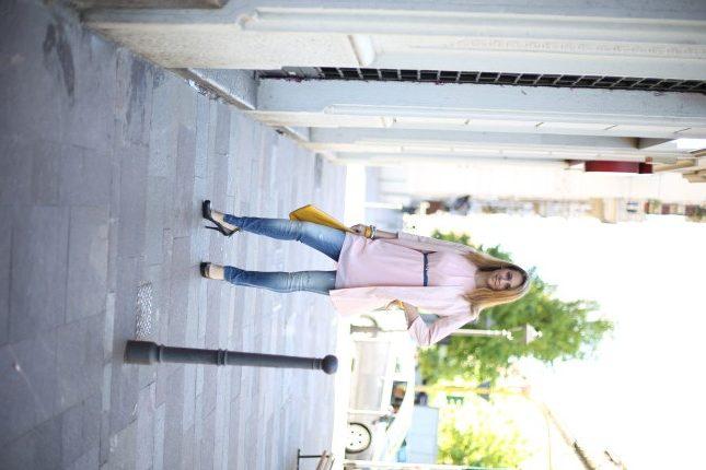Silvia - vestito in voile rosa con cappottino con manica a tre quarti