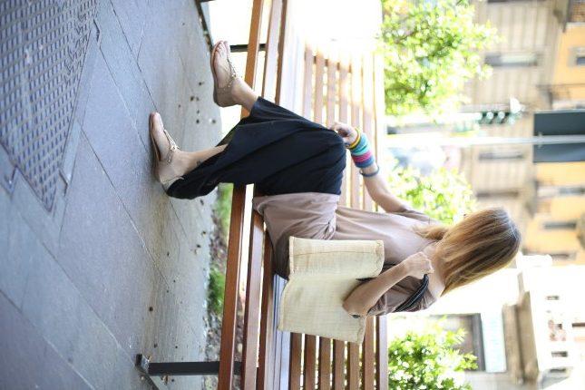 Silvia - look perfetto per l'estate: maxi maglia e gonna in cotone fresco