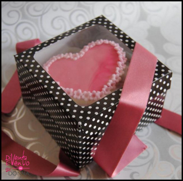 Biscotti Decorati in una confezione da San Valentino