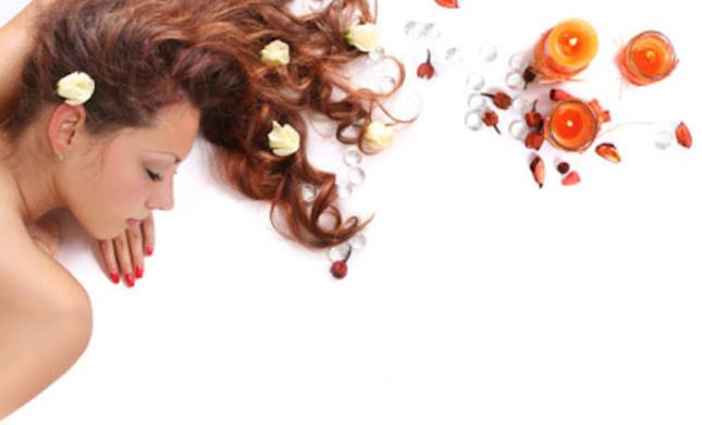 I capelli hanno bisogno di nutrimento continuo per essere sani e splendenti