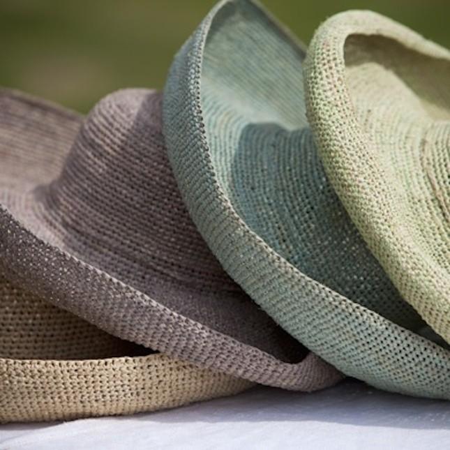 Cappelli in paglia e rafia trend estate 2014
