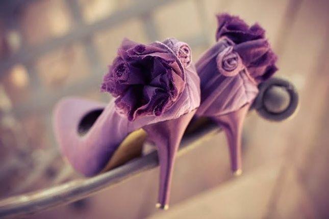 Decollete con fiore e tacco a a stiletto