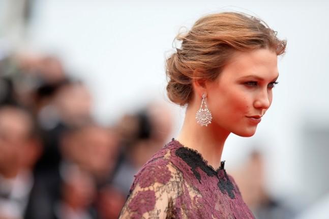 Make up della super modella Karlie Kloss al Festival del Cinema di Cannes 2014 con un abito di Valentino