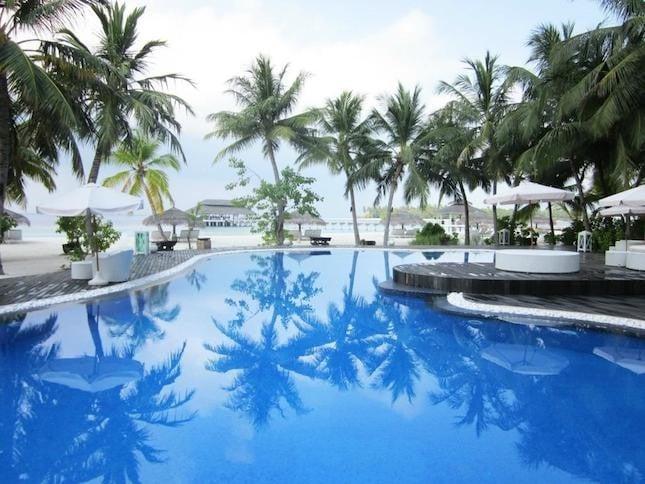 Kihaad_vista della piscina