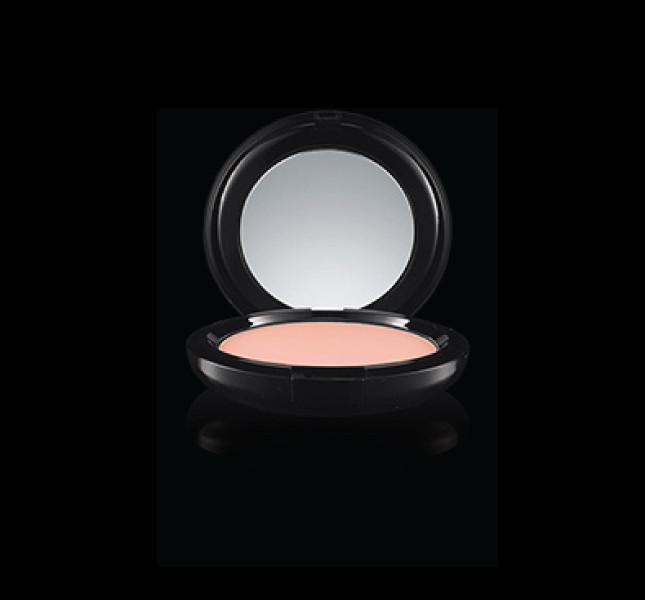 Il fard della linea Maleficient by MAC Cosmetics