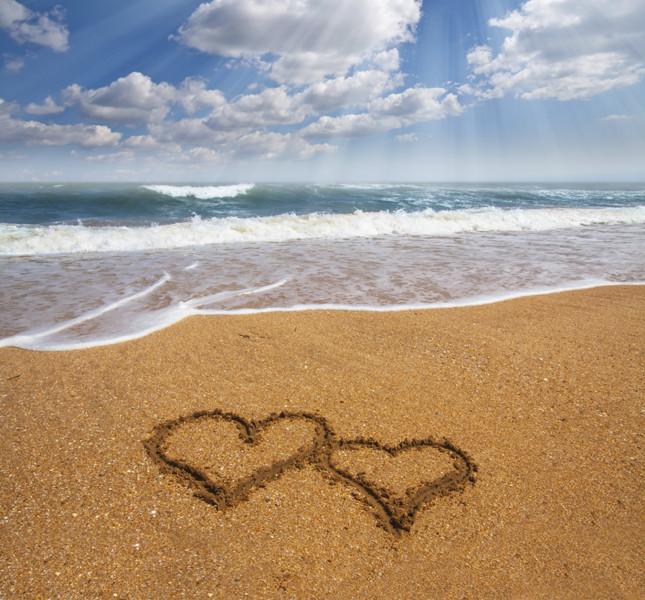 matrimonio estivo: due cuori sulla sabbia