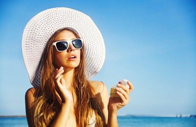 La linea OMIA EcoBioSun per proteggere e abbronzare le pelli sensibili