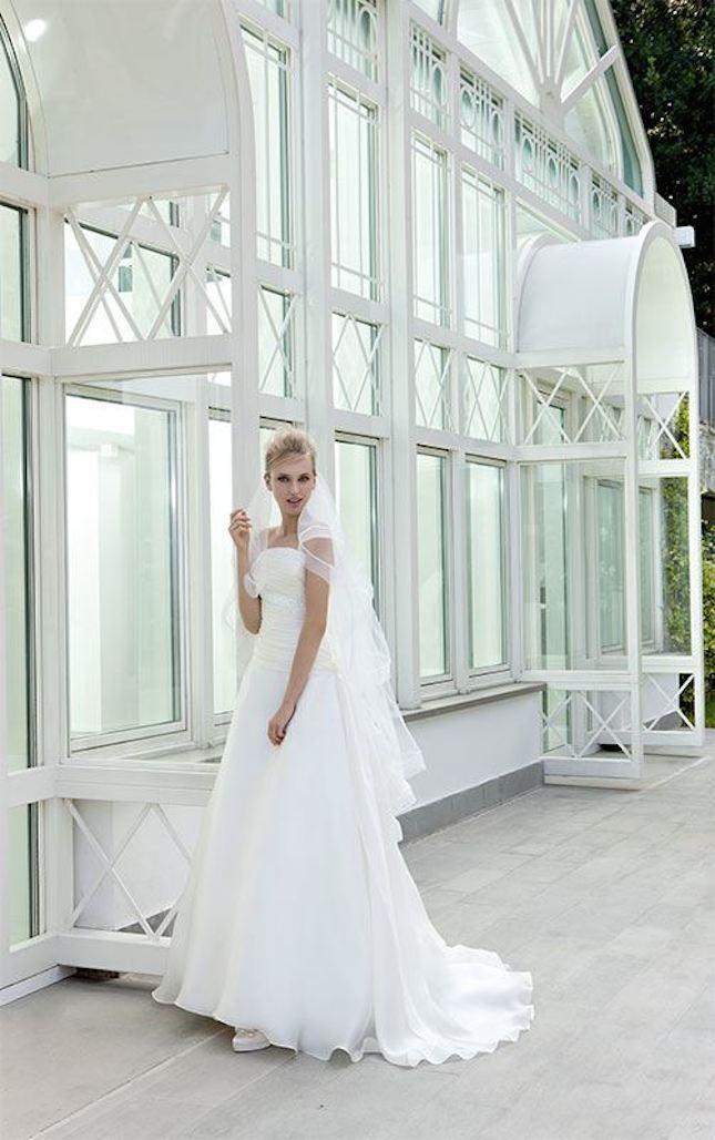 Elisabetta Polignano_abito da sposa con velo e spalline