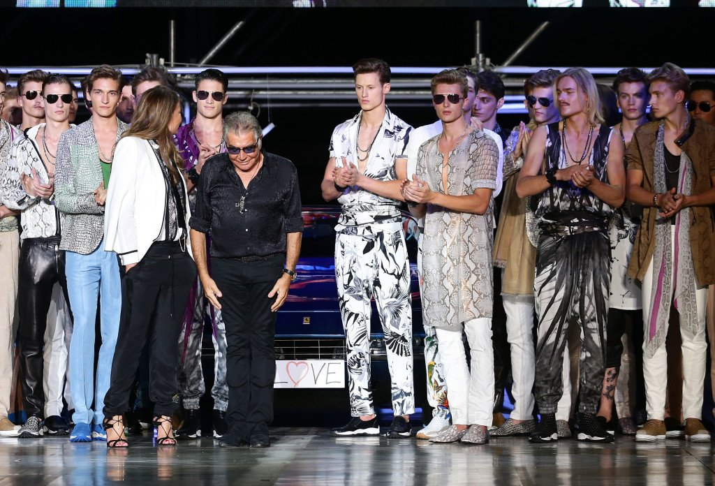 Un playboy alla Miami Vice, l'ispirazione della sfilata di Roberto Cavalli