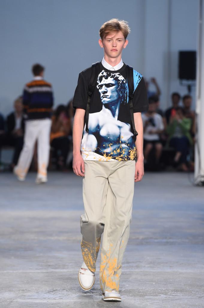 T-shirt spiritose rendono omaggio al patrimonio artistico italiano. La collezione SS 15 di Frankie Morello