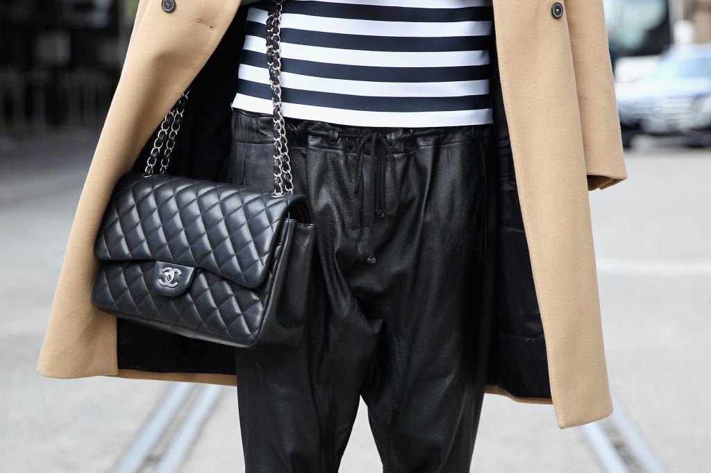 La 2.55 di Chanel è un classico intramontabile, perfetta se abbinata con pantaloni o gonne in pelle